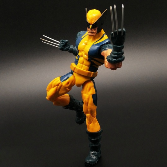 Wolverine Action Figure Marvel Legends Yellow Classic Suit X Men Universe Series 1