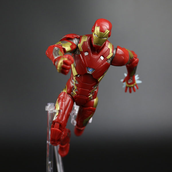 "New 6"" Avenger Iron man & Captain america War PVC Joints Doll Figure Painted Toy Collectible Model Figurine Gift Hot Sale 1"